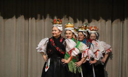 "Maroltov susret odraslih folklornih skupina""Čardaš polka"""